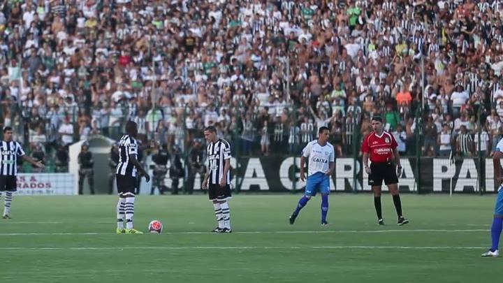 Momentos que marcaram o clássico Figueirense x Avaí no estádio Orlando Scarpelli