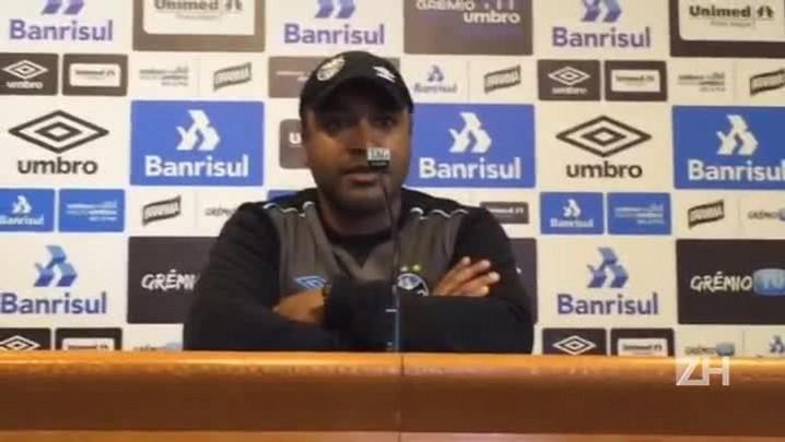 Roger Machado fala sobre a postura do Grêmio fora de casa