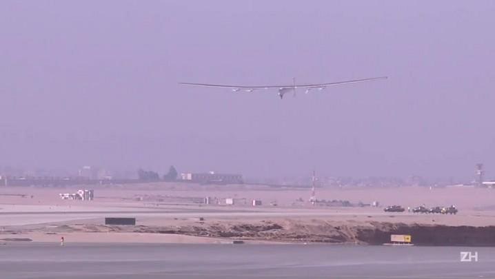 Solar Impulse 2 chega ao Cairo