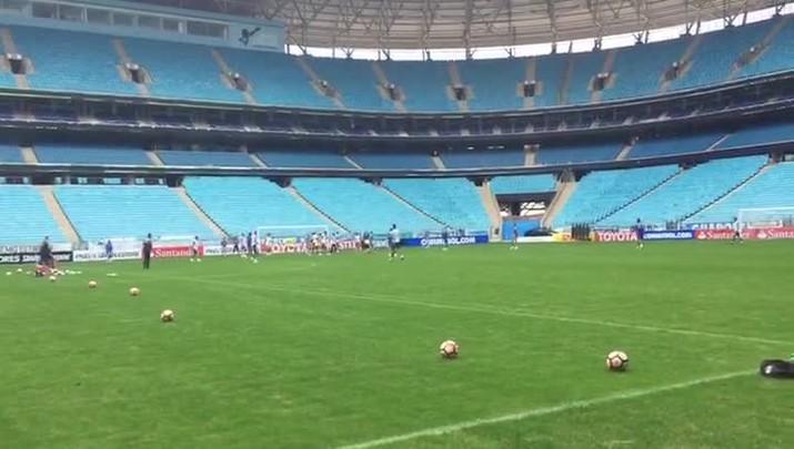 Grêmio faz treino na Arena antes de jogo contra o Zamora