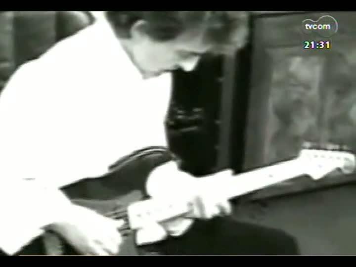 TVCOM Tudo Mais - Depoimentos de fãs ilustres para homenagear o beatle George Harrison - Ricardo Sabadini