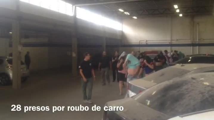 Polícia prende suspeitos de integrarem quadrilha que roubava carros de luxo - 28/11/2013