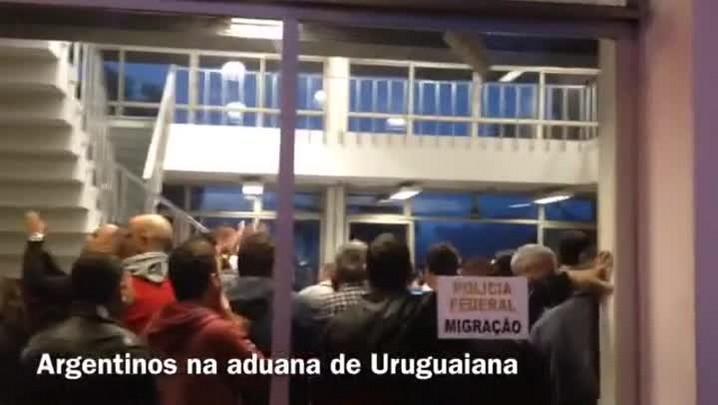 Movimento aumenta e argentinos formam filas para entrar no RS
