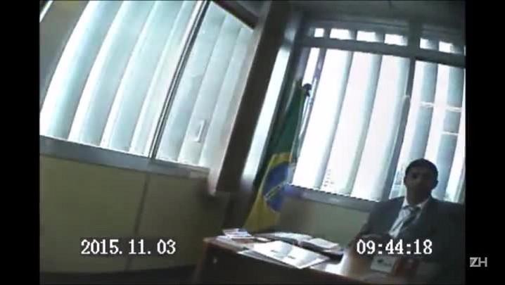 Gravação mostra Jardel e funcionário contando dinheiro