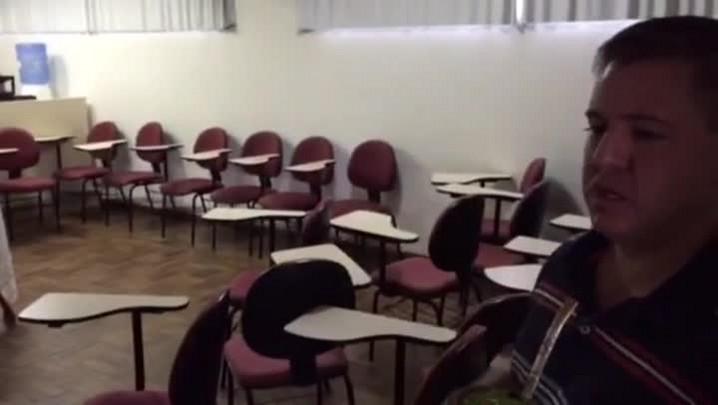 Veja o relato do pároco assaltado com fiéis durante oração em igreja da zona sul de POA