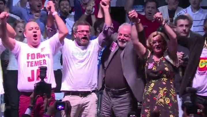 Lula diz que Dilma deve voltar e corrigir erros
