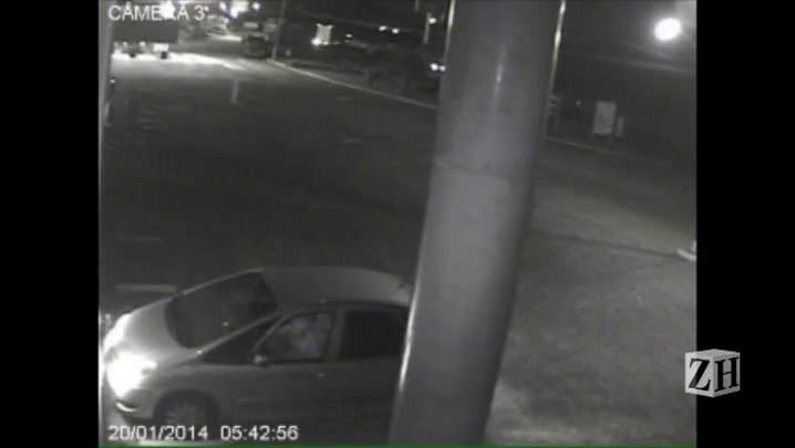Câmera de segurança flagrou sequestro em Gravataí