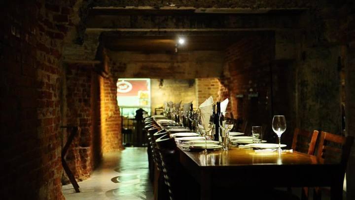 Conheça novo restaurante localizado em meio a túneis subterrâneos da Capital