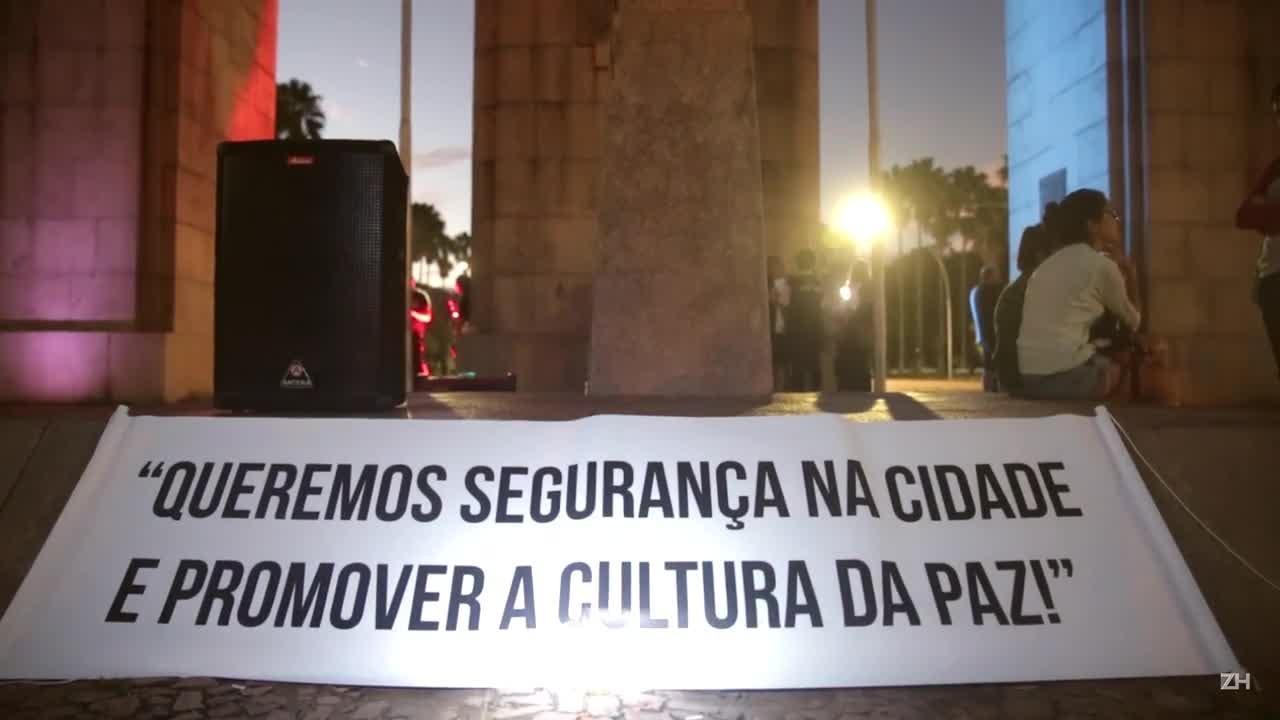 Em silêncio, centenas protestam por mais segurança na Capital