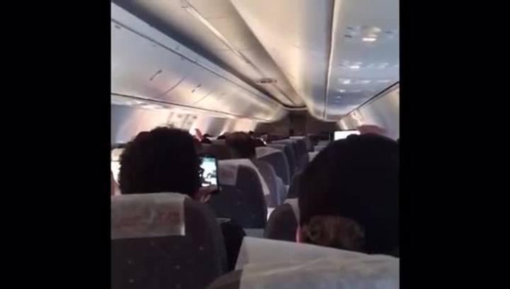 Piloto de avião reproduz hino e narração de gol do Grêmio em voo