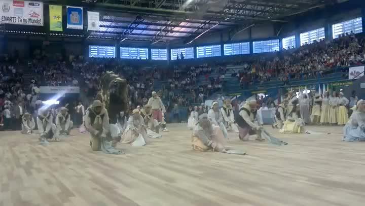 CTG Guapos do Itapuí apresenta coreografia de saída no 27º Enart