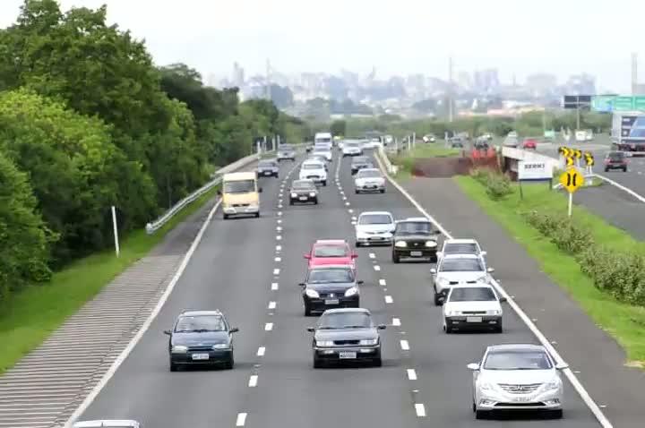 Veja o trânsito na freeway às 7hs da manhã deste sábado