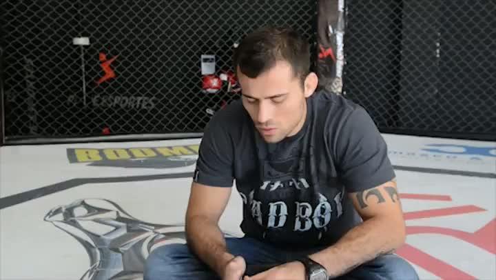 João Zeferino mantém a calma na preparação para estrear no UFC