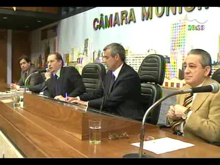 TVCOM 20 Horas - Confira a análise do voto decisivo do ministro Celso de Mello no julgamento do Mensalão - Bloco 1 - 18/09/2013