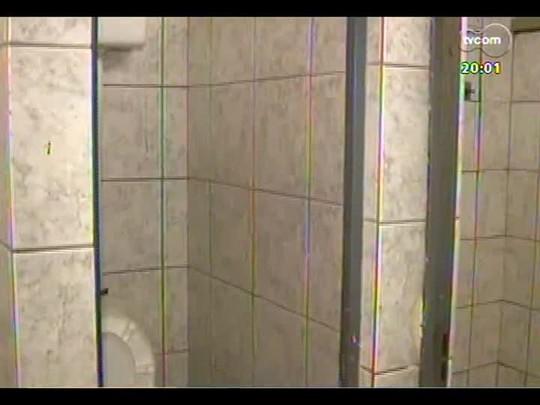 TVCOM 20 Horas - Problemas antigos na escola estadual Otávio Mangabeira não são resolvidos apesar de investimento de R$ 390 mil - Bloco 1 - 13/01/2014
