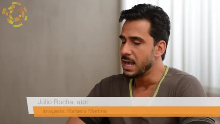 Ator Júlio Rocha dá entrevista ao jornal O Sol Diário