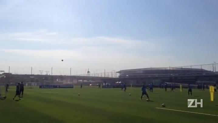 Grêmio treina finalizações para o Gre-Nal