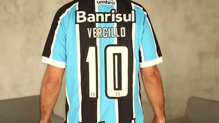 De bombacha e camisa do Grêmio, Jorge Vercillo fala do reecontro com os gaúchos