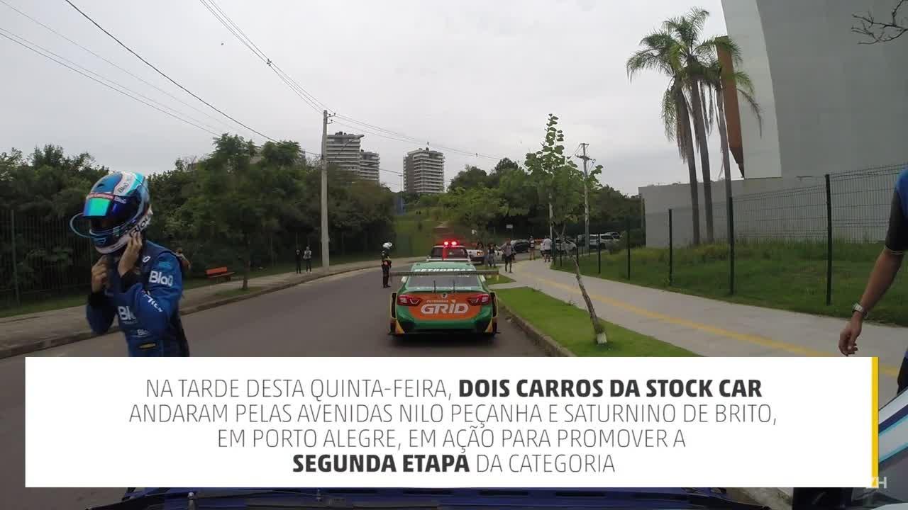 Carros da Stock andam pelas ruas de Porto Alegre