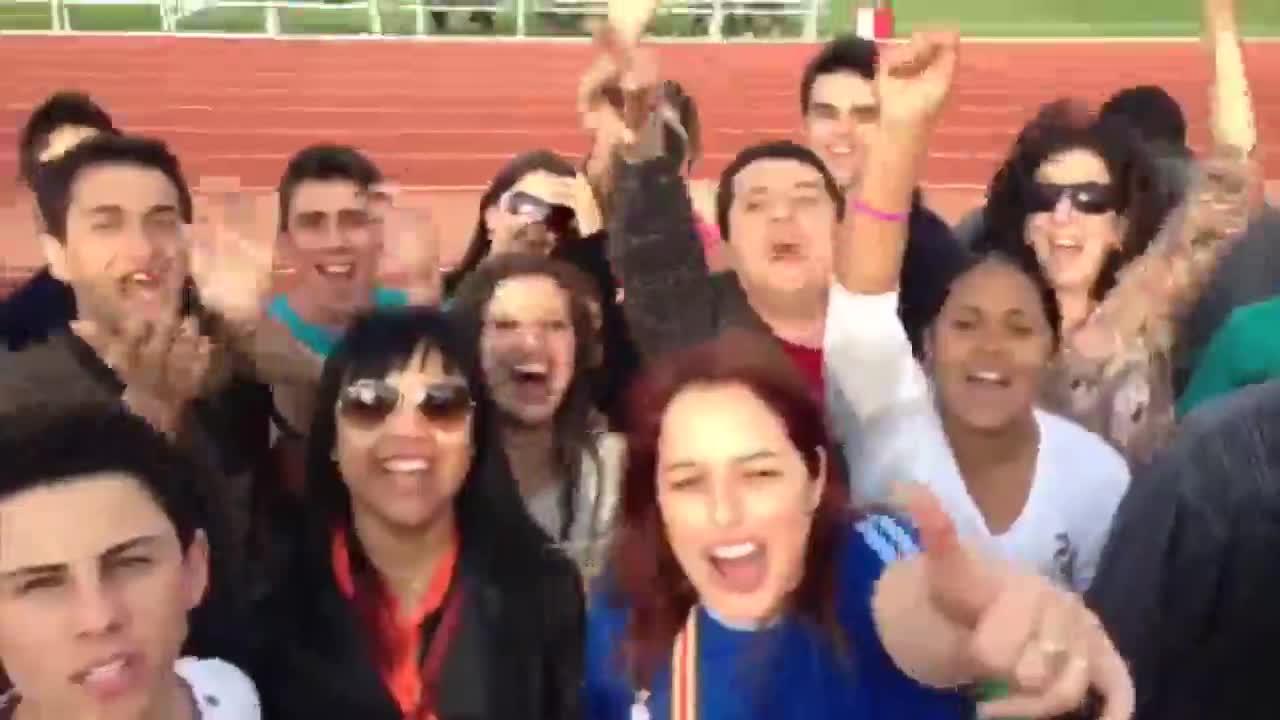 Estudantes de Rio Pardo fazem festa em treino da Seleção - 05/09/2013