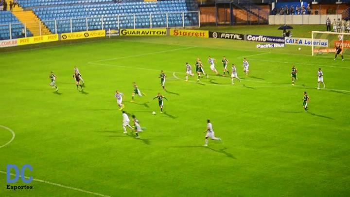 No contra-ataque, Misael marca o segundo gol do Luverdense sobre o Avaí