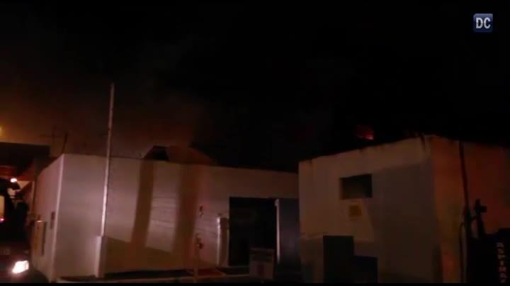 Incêndio em galpão no Bairro Campinas, em São José