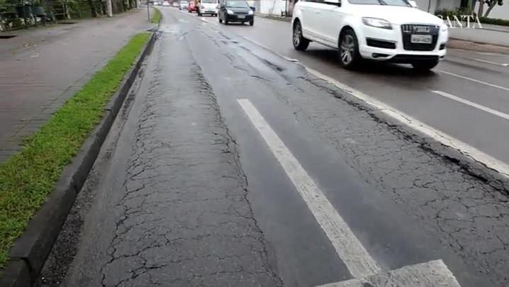 Corredor de ônibus da Beira-Rio, em Blumenau, é um dos mais danificados