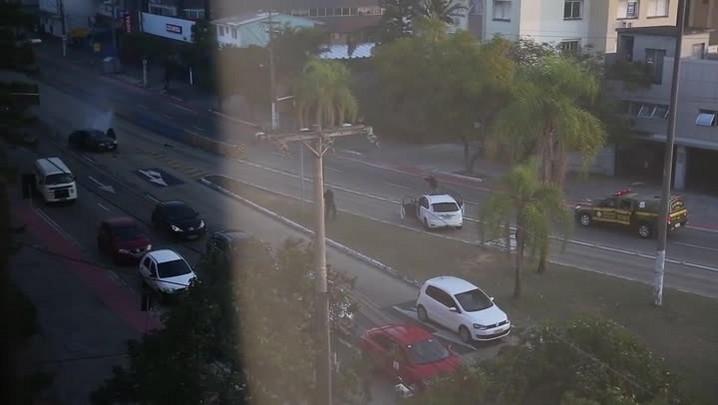 BM prende ocupantes de veículo após perseguição na Capital