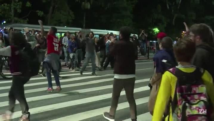 Manifestação na Paulista pede renúncia de Temer