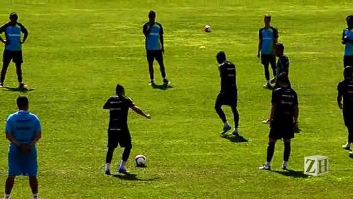 Confira imagens do treinamento do Grêmio na serra