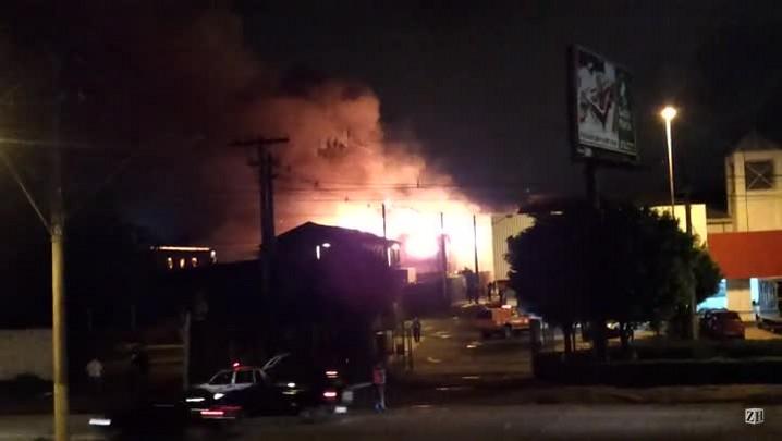 Inc�ndio na Zona Norte de Porto Alegre