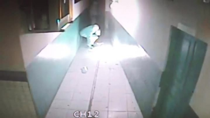 Câmeras de segurança registram incêndio em escola de Navegantes