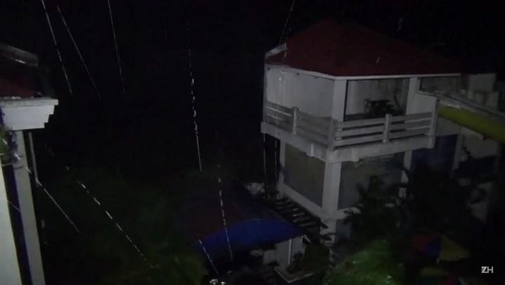 Tufão deixa rastro de destruição nas Filipinas