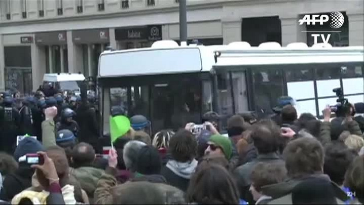 COP21: confronto entre ativistas e a polícia em Paris