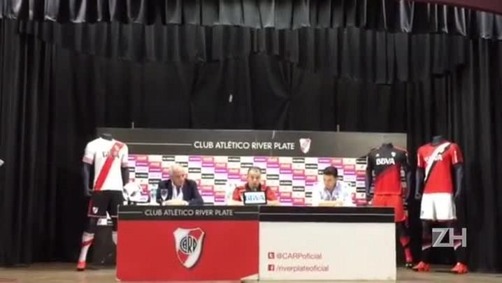 D\'Ale é apresentado no River Plate