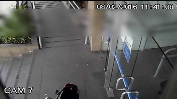 Vigilante furta televisão do INSS de Santa Maria