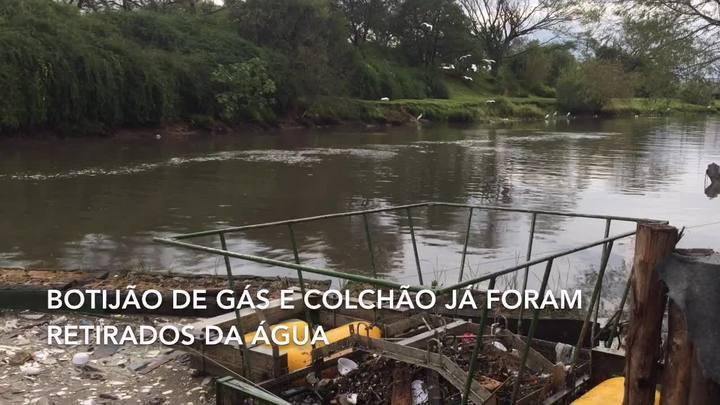 Ecobarreira do Dilúvio já impediu que 33 toneladas de lixo escoassem para o Guaíba