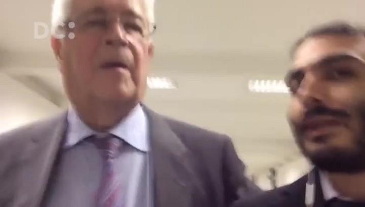 """Senador Roberto Requião dispara: \""""Não é possível que só tenhamos imbecis que querem provocar uma guerra civil no país\"""""""