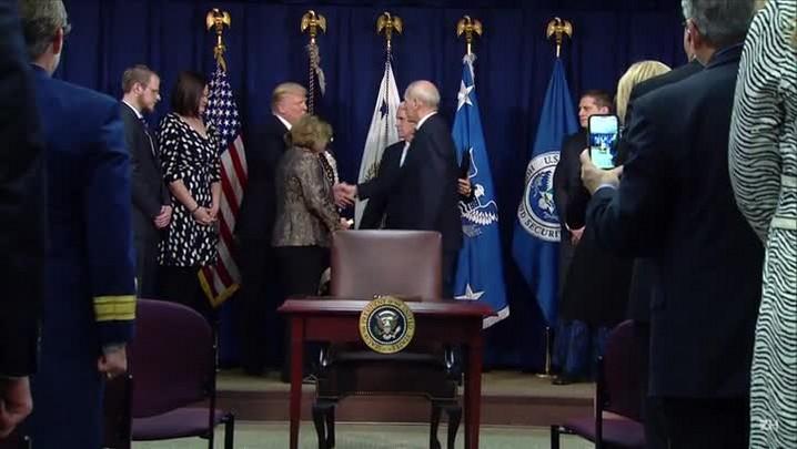 EUA anunciam novas regras migratórias