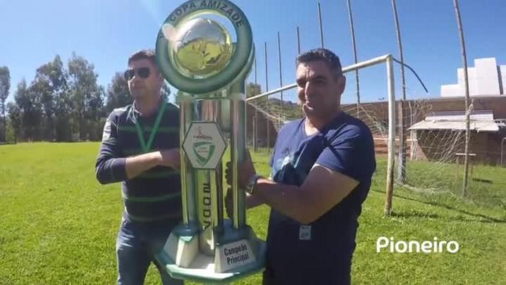 Amadores Futebol Clube 7, com Evandro do Aparecida