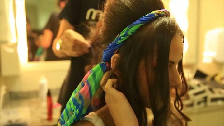Aprenda a fazer um penteado para o Carnaval