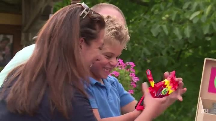 Mãos 3D facilitam a vida de criança com deficiência física