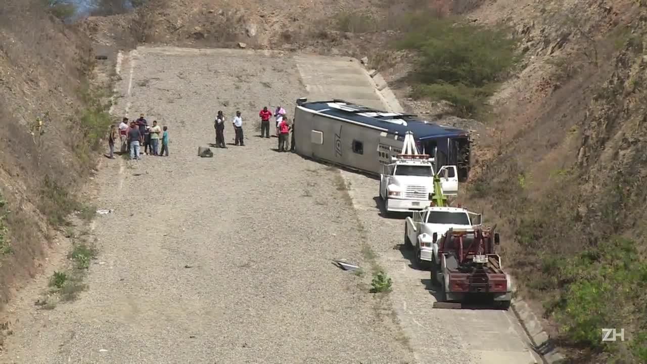 Ônibus com jogadores do 'Huracán' sofre acidente