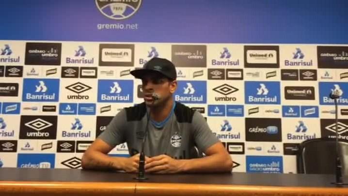 Maicon fala sobre casos de caxumba no Grêmio