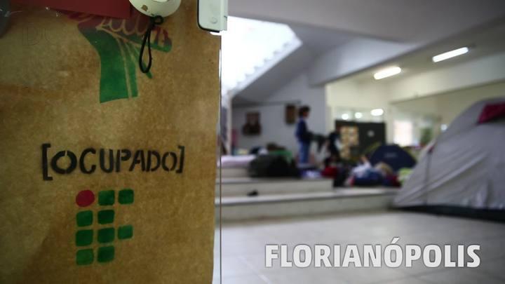 Ocupações mobilizam estudantes em Santa Catarina