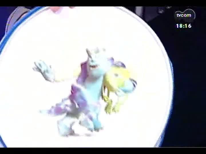 Programa do Roger - \'Lojinha\' traz brindes de \'Universidade Monstros\' e estreia do clipe de Nei Lisboa - bloco 3 - 01/07/2013