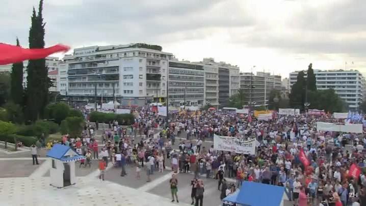 Gregos protestam contra austeridade