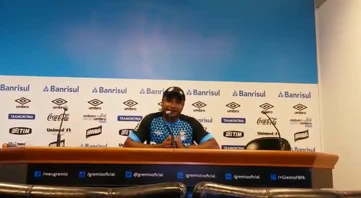 Roger avalia temporada no comando do Grêmio