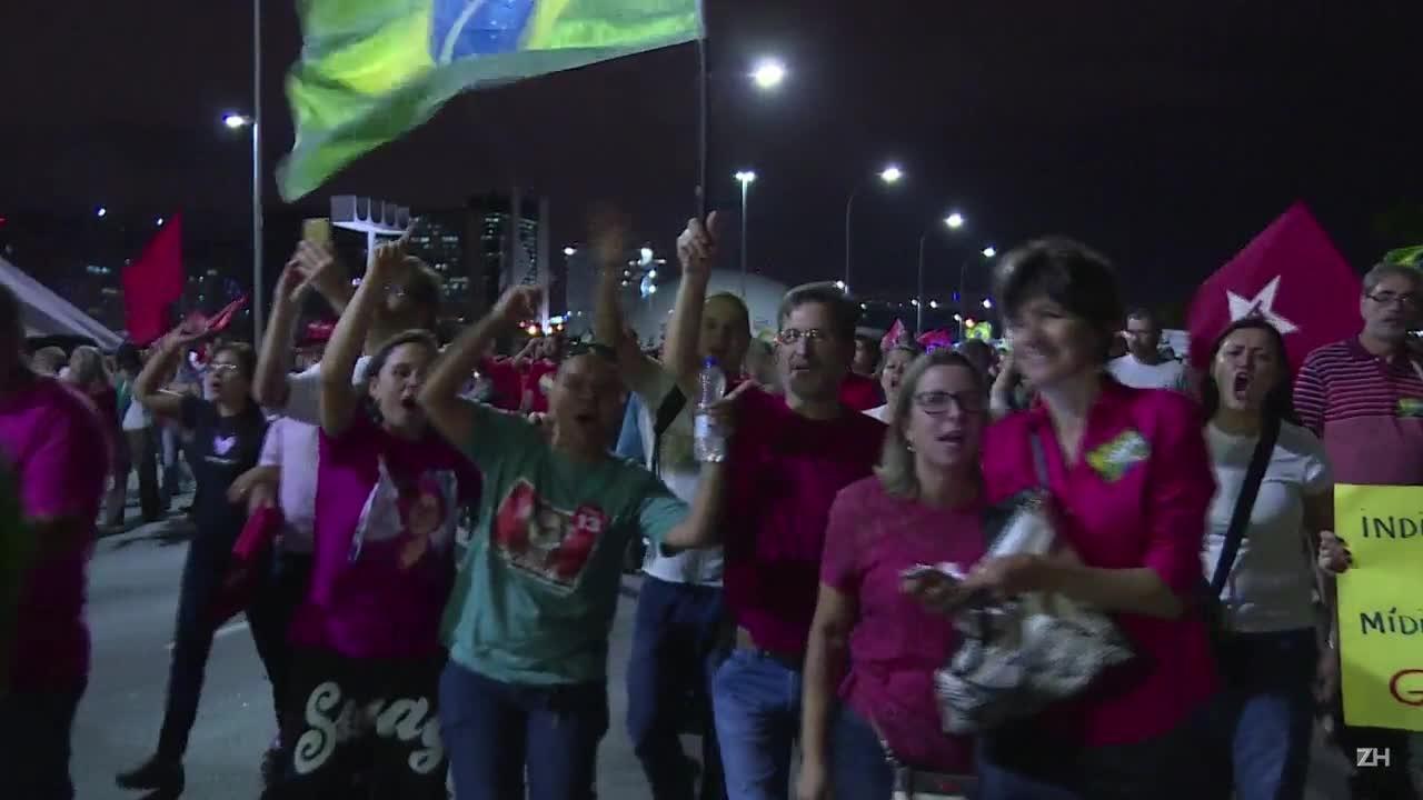 Milhares marcham em Brasília