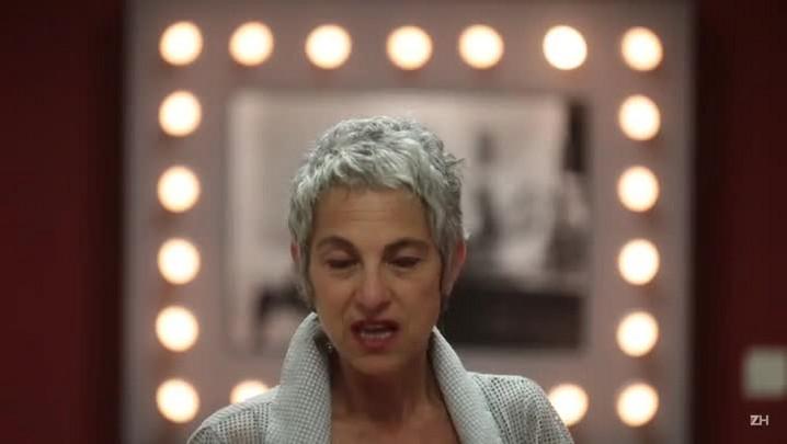 Deborah Finocchiaro recita trecho de obra de Caio Fernando Abreu